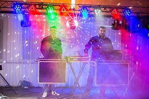 DJ-de-petrecere-brasov-300x200 DJ botez pe placul tau si al invitatilor dj botez DJ botez pe placul tau si al invitatilor DJ de petrecere brasov 300x200