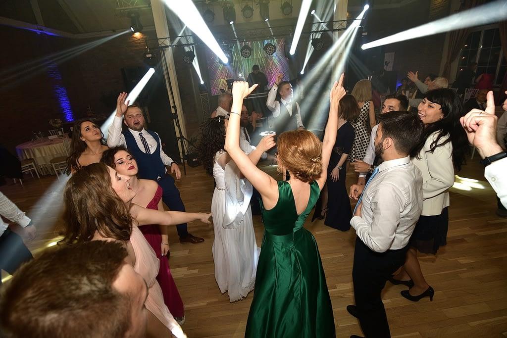 UEN_1461-1024x683 DJ nunta Fundata - cum il alegi pe cel mai bun dj nunta DJ nunta Fundata – cum il alegi pe cel mai bun UEN 1461 1024x683