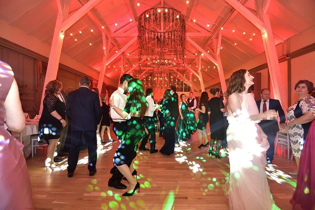 UEN_0918-1024x683 DJ nunta Mario Brasov - nu doar experienta ne recomanda dj nunta DJ nunta Mario Brasov – nu doar experienta ne recomanda UEN 0918 1024x683